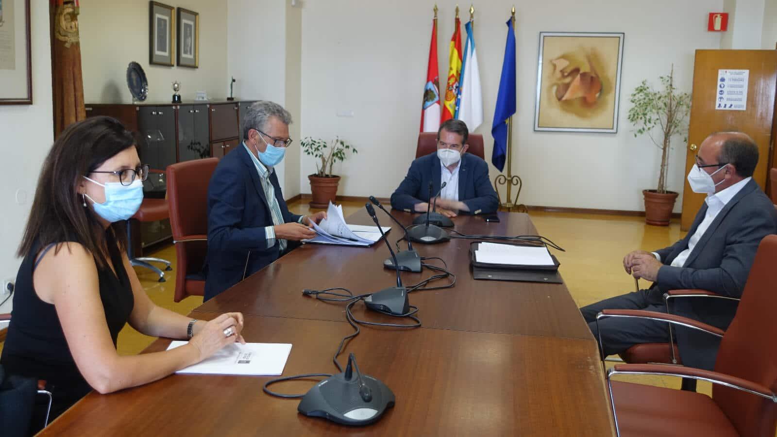 Alcalde de Vigo explica nuevo túnel Beiramar a Comisión de Logística de la CEP